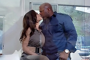 Lisa Ann craving for Prince'_s Big Black Cock