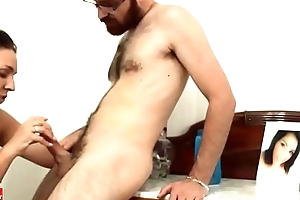 She sucks his dick and he gets happy IV 003