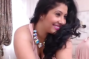 Indian Mumbai horny housewife spreading legs and fingering their way wet pussy HD (new)